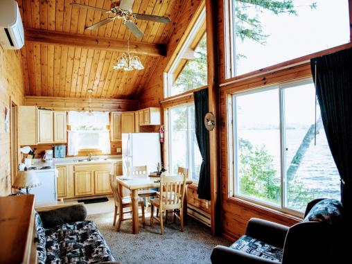 Livingroom with lakeside views of Vermilion.