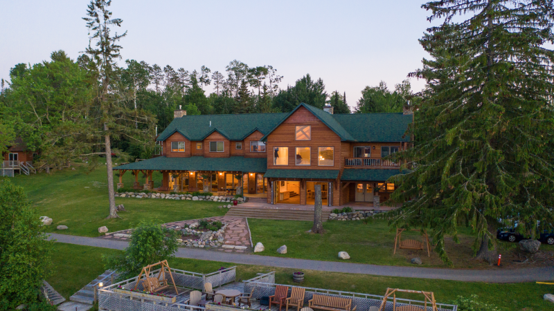 The Main Lodge at Pehrson Lodge in the evening.