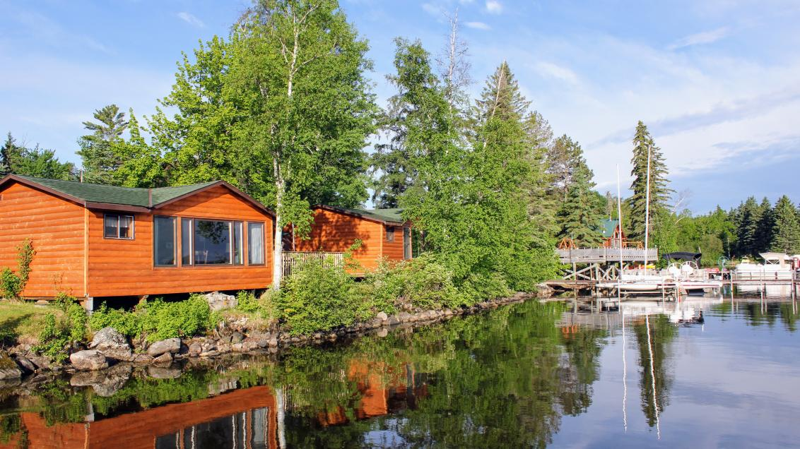 Photo of lakeside cabins on Lake Vermilion